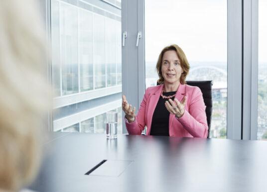 """""""Die deutsche Wirtschaft hat im Hinblick auf Gender Equality noch einen weiten Weg zu gehen!"""""""