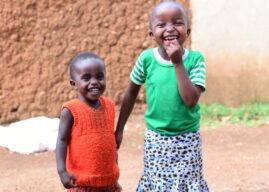 Bildung für Kinderin einemAbgelegenen Dorf in Ruanda